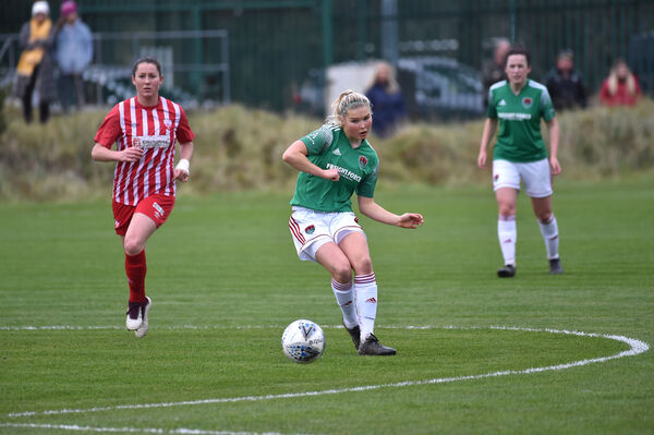 Eabha O'Mahony, Cork City, opening up the Treaty midfield in the Women's FAI Cup semi-final. Picture: Dan Linehan