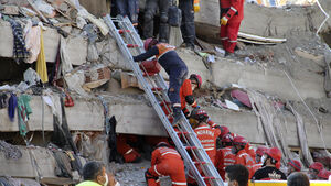 Rescuers search for survivors as Aegean earthquake death toll rises