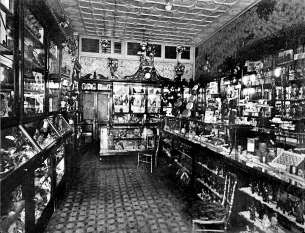 A November 1932 photo of the interior of the famous Hadji Bey sweet shop.