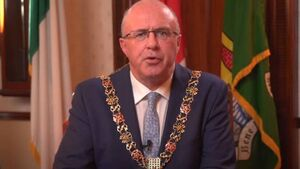 Cork and Kerry Mayors urge people to adhere to public health restrictions entering Level 5