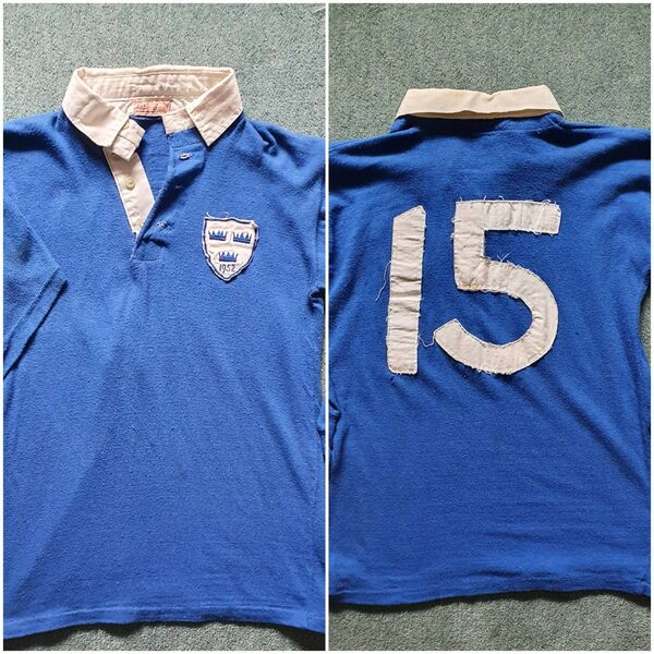 A Munster hurling jersey worn by Christy Ring in 1952, that was given to Eddie Hogan.