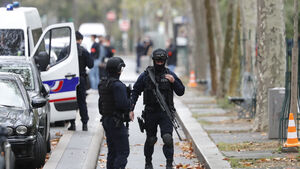 Suspect arrested after at least two people wounded in Paris knife attack