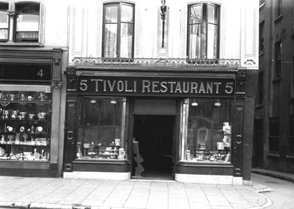 Tivoli Restaurant in 1936, which had tea and Thompson's cakes.