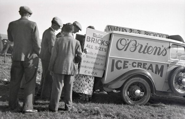 O'Brien's ice cream van in the 1930s.
