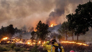 Change in weather threatens further wildfires in California