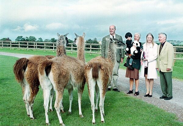 Fota received its three millionth visitor in 1999. She was little Aoife Delaney from Bishopstown with her grandmother Paula. Pictured l-r: Dr Neil Stronach, then Director of the Park, Aoife and her grandmother, Julia Crowley, then Sales and Marketing Manager at Jurys and Prof Tom Raftery of the Steering Committee. Picture: Provision.