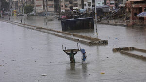Army helicopters to pluck people from flooded city in Pakistan