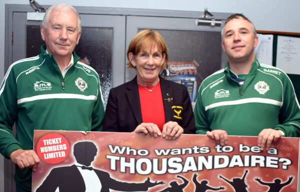 Seamus O'Brien, left, with sponsors, Marian Nugent, Muskerry Golf Club and Garrett Harrington, Harrington's Pharmacy at the launch of Who Wants to be a Thousandaire?. Picture: Mike English