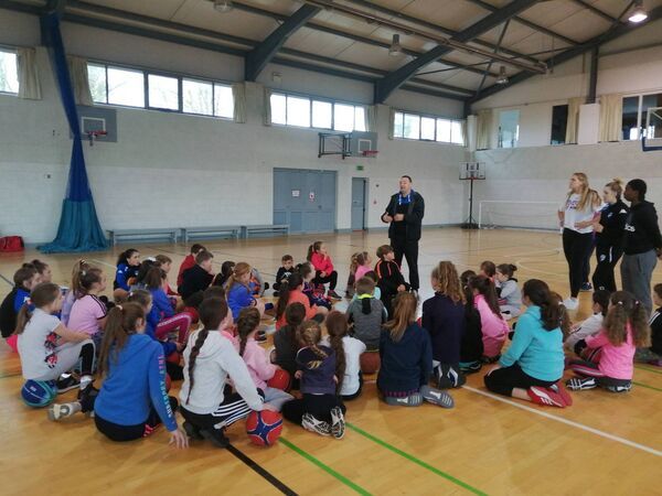 Super League coach Mark Scannell introducing the coaches to campers at a Glanmire Basketball Camp.
