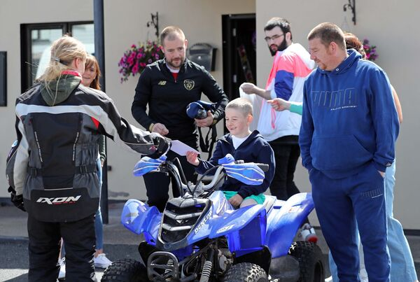 Biker Community in Cork deliver Birthday cards to Daniel O'Sullivan, at his home in Hollyhill, Cork.Picture: Jim Coughlan.