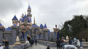 Disney delays reopening of California theme parks