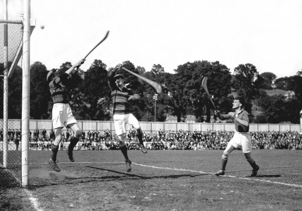 The Glen versus the Barrs in 1935.