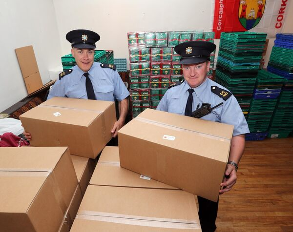 Garda Tony Kelleher and Garda Kevin O'Brien, both Community Policing Anglesea Street.Picture: Jim Coughlan.