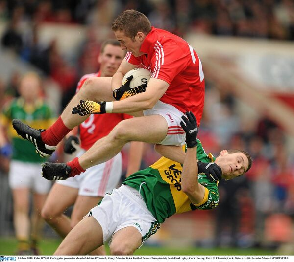 Colm O'Neill gains possession. Picture: Brendan Moran/SPORTSFILE