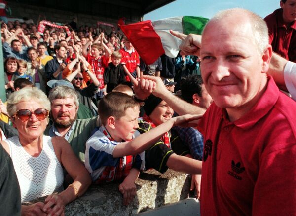 Cork City's manager Dave Barry salutes the crowd in 1999. Picture: Eddie O'Hare