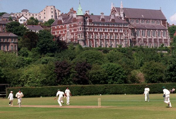Cricket at the Mardyke. 	Picture by Des Barry
