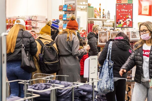 Non-essential shops are opening around the country this morning after being closed for six weeks due to Level 5 COVID-19 restrictions. A small queue formed outside Penney's on Patrick Street this morning, ready for a 7am opening. The store opened just before 7am. Picture: Andy Gibson