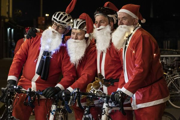John Guerin, Brian O'Kennedy, Niall Foley and Kevin Barry of Douglas picture at Cork Santa Cycle in aid of Cappagh Kids. Picture Clare Keogh