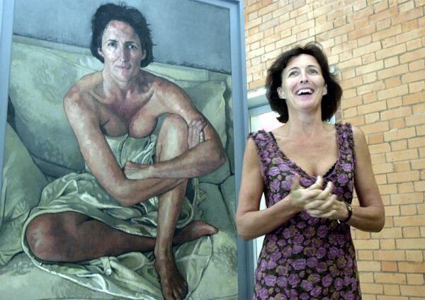 Fiona Shaw with her portrait by Victoria Russell which at the unveiling in 2002. Picture: Maurice O'Mahony.
