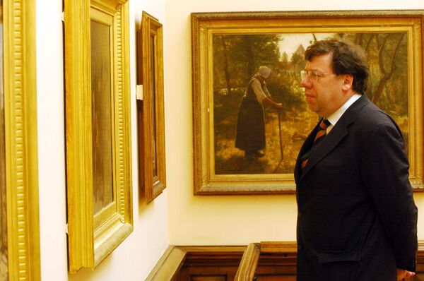Former Taoiseach, Brian Cowen at the Gallery in 2005. Picture: Michael Mac Sweeney/Provision.