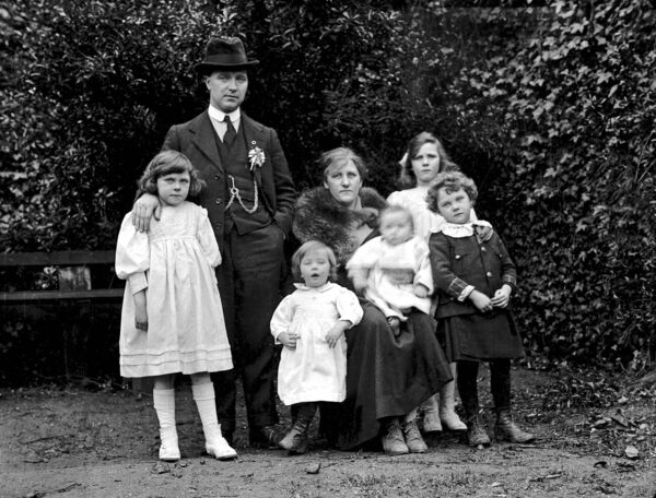 Lord Mayor of Cork Tomas MacCurtain and family pictured in early 1920.