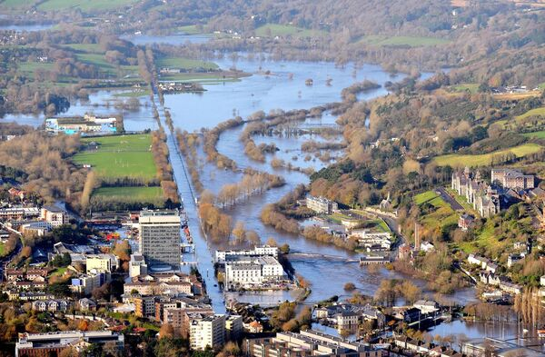 Flooding on Carrigrohane Road and the Lee Fields area in November 2009. Picture Denis Minihane.
