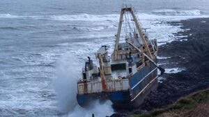 VIDEO: Ghost Ship to be assessed by Oil Spill Team after crashing onto Cork coastline in Storm Dennis