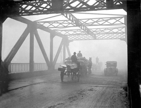 Clontarf Bridge in January 1934 shrouded in smog.