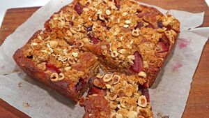 Recipe: Plum, Oat and Ginger Slice