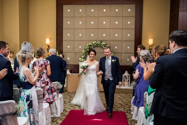 Yvonne Twomey and Jerry Buckley were wed at Fota Island Resort. Pictures: Laura and Benny Photography.