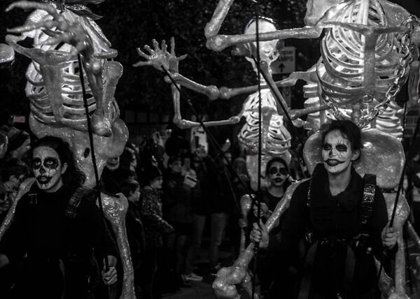 Cork Community Art Link Skeletons during last year's parade. Picture Credit: Marilyn Reidy.