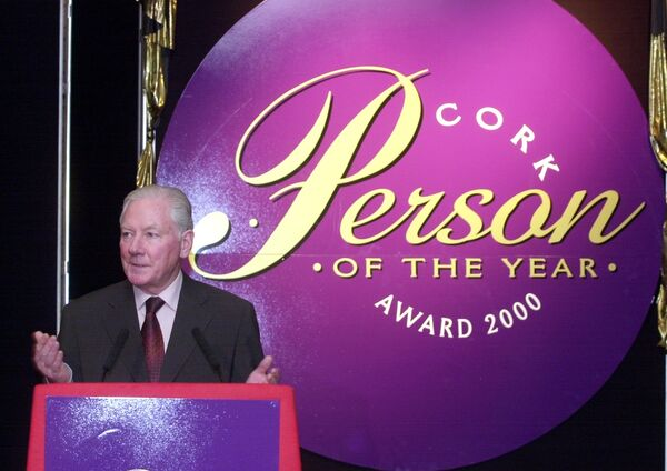 Gay Byrne, joint master of ceremonies, speaking at the Cork Person of the Year award ceremony at Jury's Hotel, where Sonia O'Sullivan was named as the 2000 Cork Person of the Year.	Picture Denis Minihane