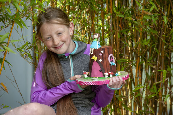 Pictured is nine-year-old Aine O'Connor from Youghal with one of her sugar crafted cakes.Pic: Brian Lougheed