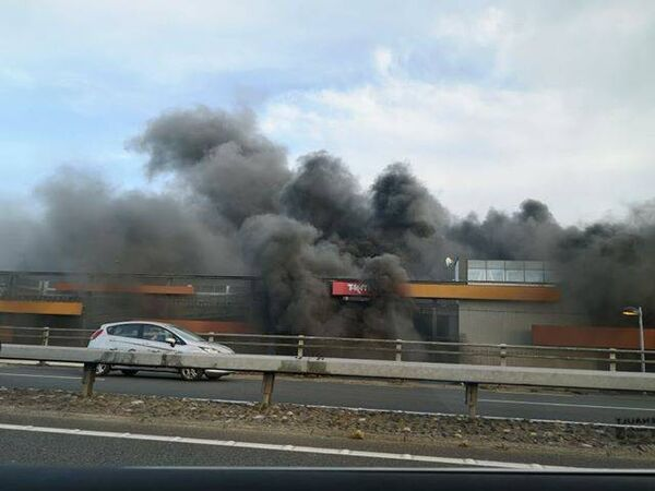 The fire resulted in traffic tAILBACKS on the N40 South Ring Road. Pic: Marcin Świątkowski