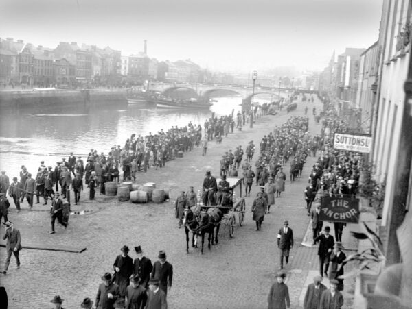 Funeral of General Michael Collins proceeds along Patrick's Quay, Cork in August 28, 1922.
