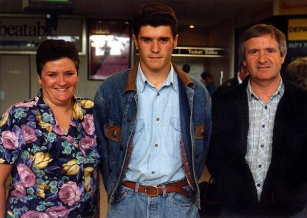 Roy Keane with his parents.