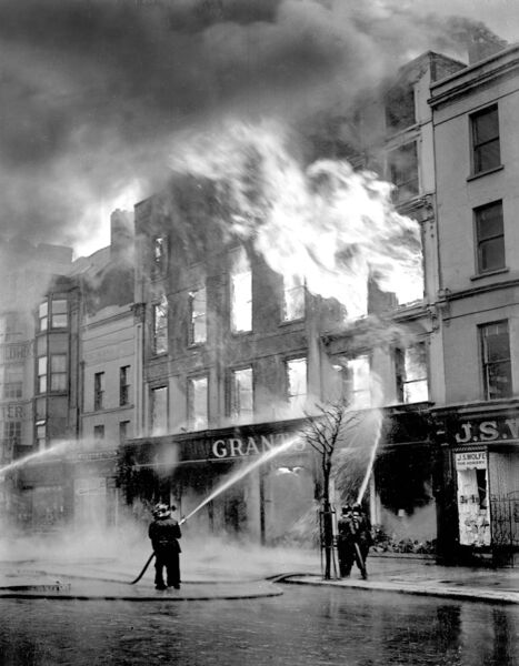 Fighting a fire at Grants department store, Grand Parade in 1942.