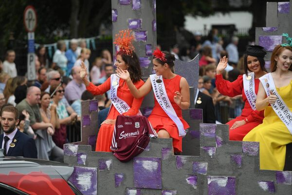 The Cork Rose taking part in the Rose of Tralee parade. Picture: Domnick Walsh