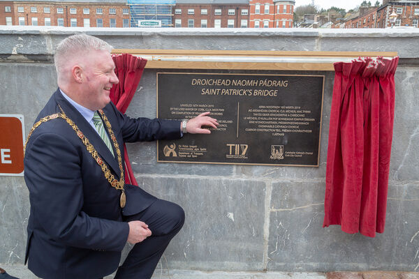 Lord Mayor Mick Finn at the unveiling of the plaque at St. Patricks Bridge Cork. Picture: Robert Coleman