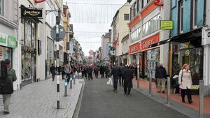Woman arrested following the theft of clothes, sunglasses and jewellery from Cork shops