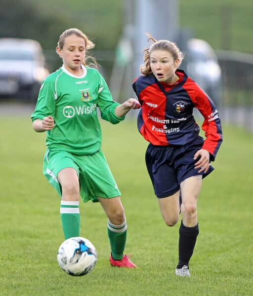 Eimear Murphy, Passage, in pursuit of Eabha O'Mahony, Lakewood Athletic, three years ago. Picture: Jim Coughlan.