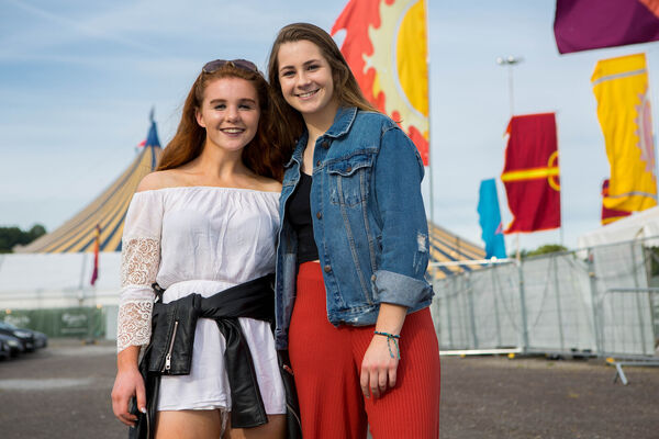 Saoirse Griffin from Kinsale, and Aoife O'Driscoll from Ballinoura, pictured attending The Script.