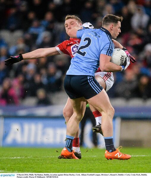 Philly McMahon, Dublin, in action against Brian Hurley. Picture: Piaras Ó Mídheach/SPORTSFILE