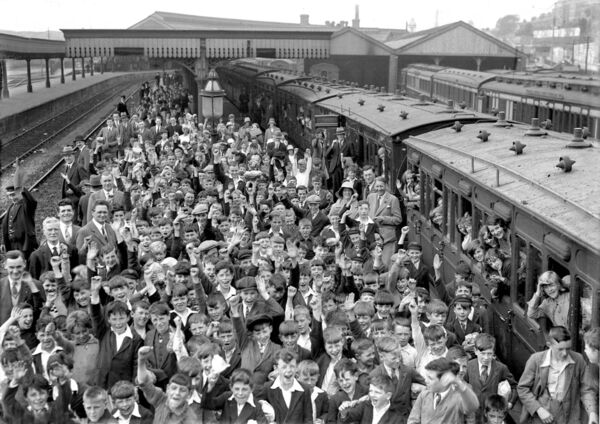 Cork school children's outing to Youghal from Cork railway station in 1931