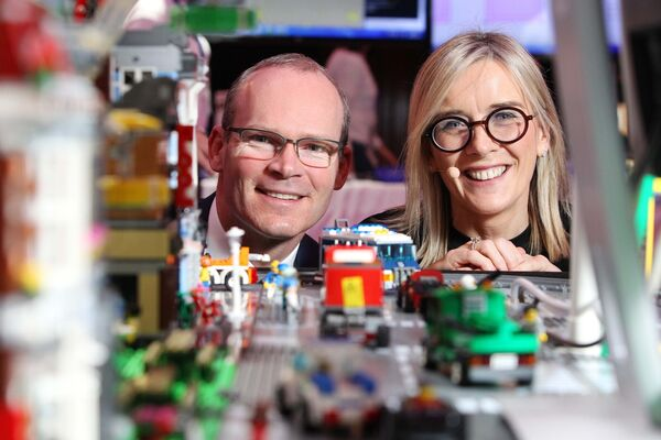 Tanaiste and Minister Simon Coveney and co-founder of I Wish Gillian Keating pictured at the I Wish 2018 STEM Showcase event in City Hall.