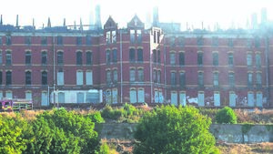'Councils should take on derelict hospital'