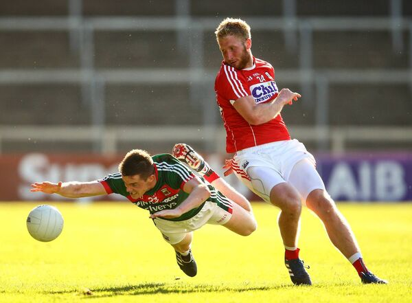 Ruairí Deane and Stephen Coen of Mayo. Picture: INPHO/Cathal Noonan