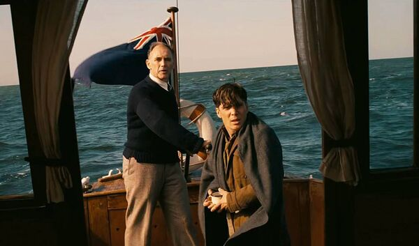 Mark Rylance and Cillian Murphy in Dunkirk (2017)