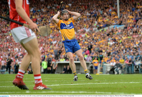 Tony Kelly of Clare reacts after scoring a point from a penalty. Photo by Piaras Ó Mídheach/Sportsfile