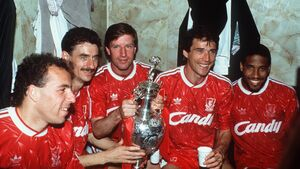Liverpool legends Whelan and Houghton are heading to Bantry
